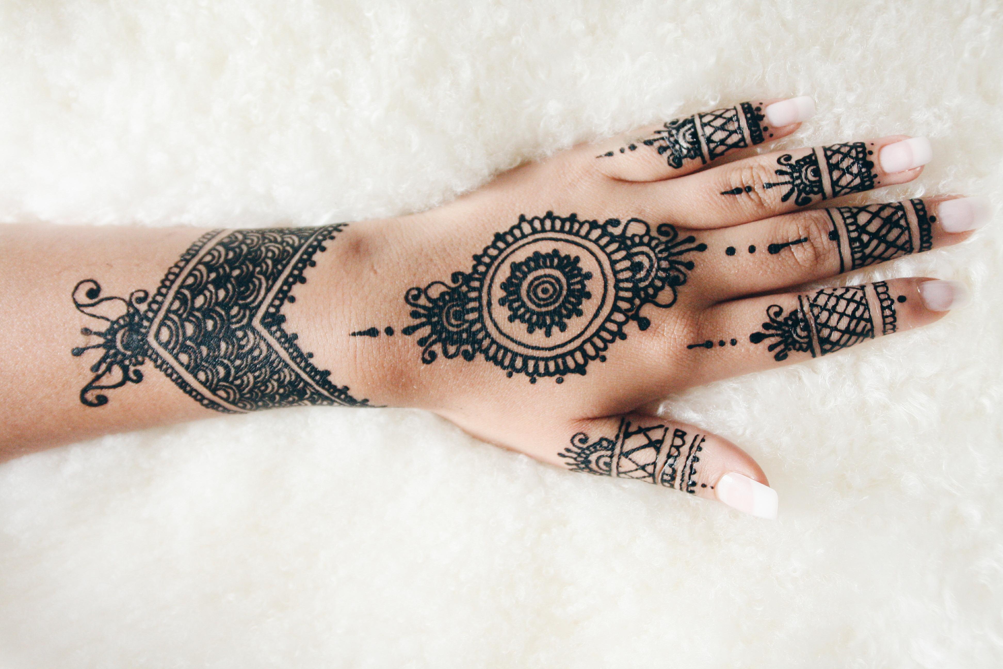Henna Tattoo Hand Berlin: Meine Erfahrungen Und Kleinen Kunstwerke